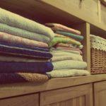 Gdzie postawić szafę w małym mieszkaniu?
